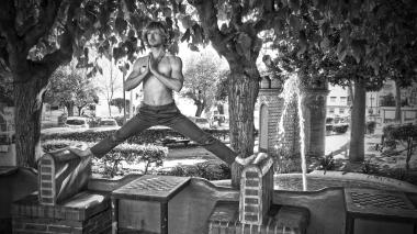 Urban Yoga - Split Pose - Estepona